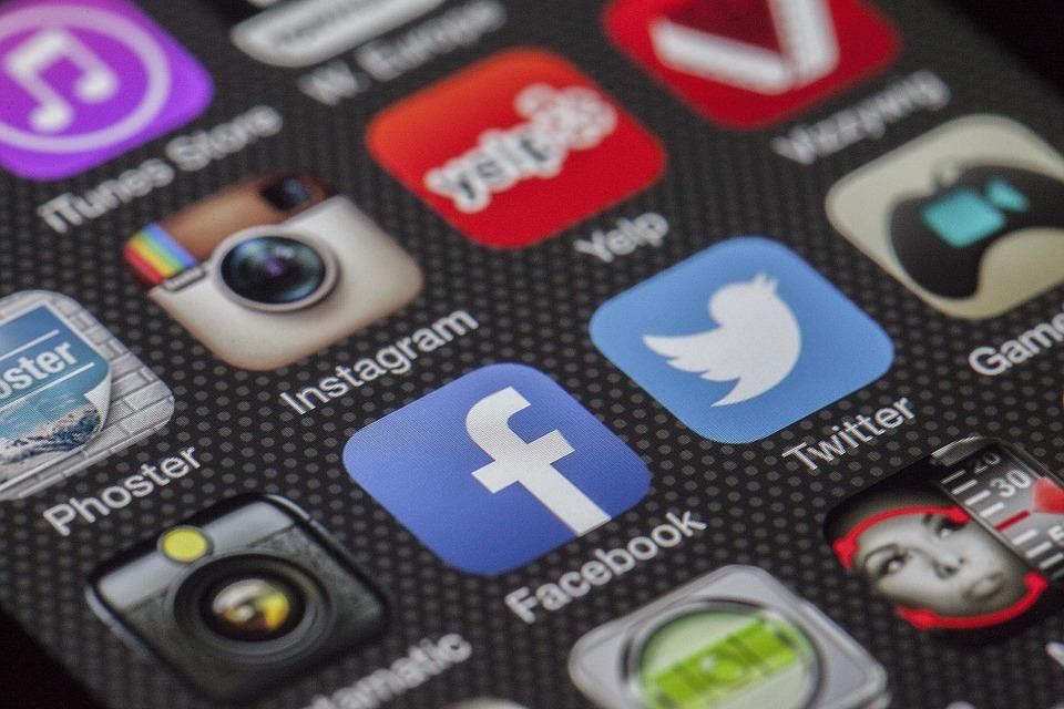 Twitter, Facebook, เข้าด้วยกัน, การแลกเปลี่ยนข้อมูล
